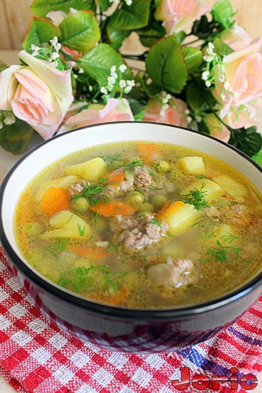 Суп с фрикадельками и горошком с фото
